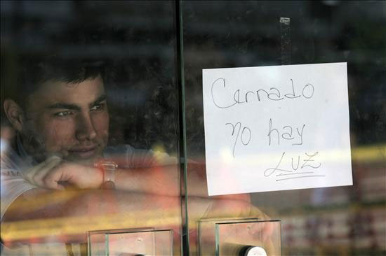 Racionamiento el ctrico mantienen en alerta a vendedores for Racionamiento de luz en aragua