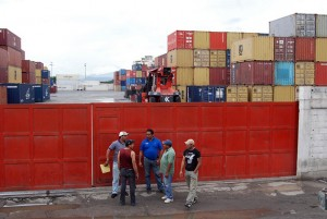 containes020601