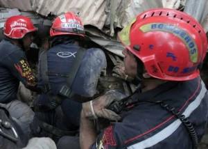 bomberos_derrumbe