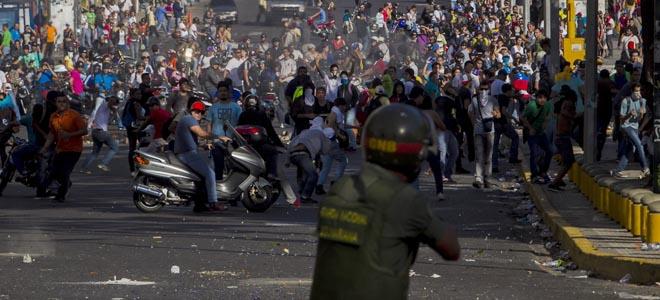 OPOSITORES VENEZOLANOS LLAMAN A ASUMIR LA PROTESTAS EN LA CALLE COMO UN DEBER