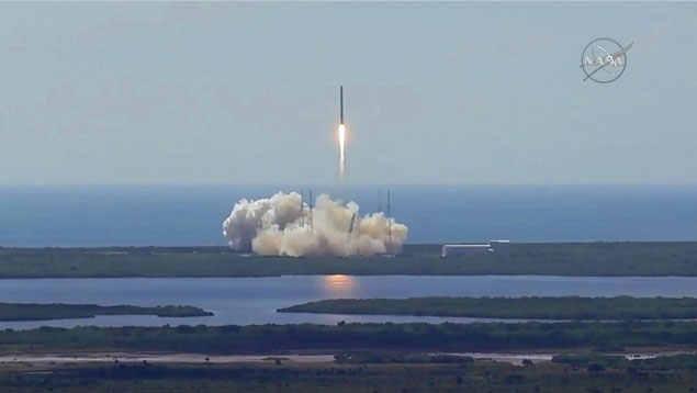 Explota el cohete SpaceX Falcon 9 minutos después del despegue