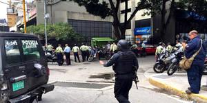 Una situación de rehenes se registra en la agencia del Banco de Venezuela ubicada en la avenida principal de Bello Monte según publica El Nacional.
