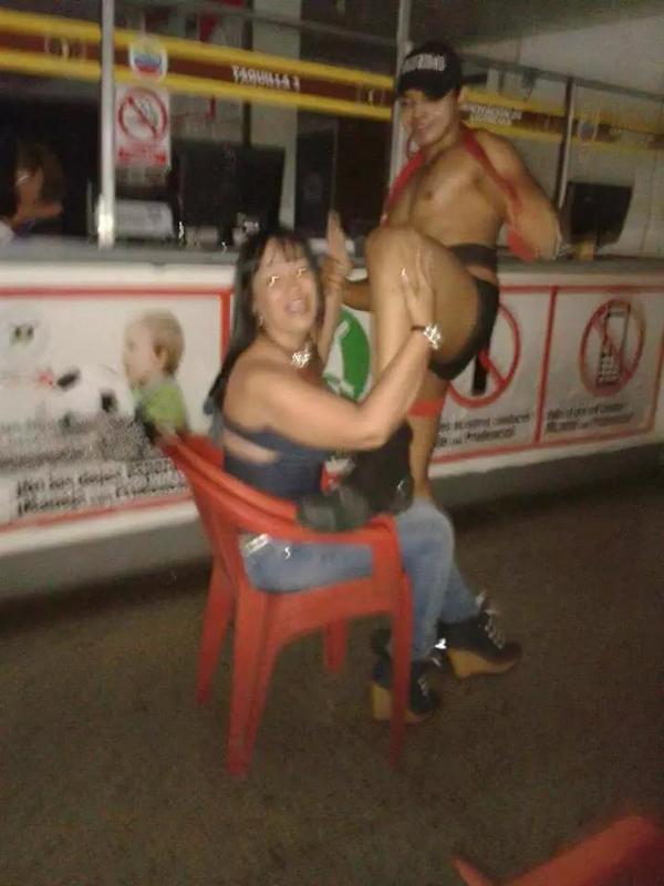 Desmadre y Depravación en oficina del INTTT de Cagua (3)