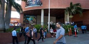 Centros comerciales sin planta trabajarán de 1 00 a 7 pm