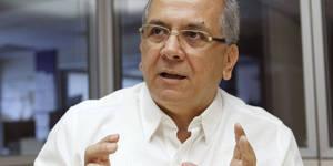 """INT01.MADRID, 24/07/2012.- El diputado venezolano Rodrigo Cabezas, presidente del grupo parlamentario de su paÌs en el Parlamento Latinoamericano, durante una entrevista con EFE hoy, 24 de julio de 2012, en Madrid, en la que sostuvo que Europa debe romper con """"un recetario"""" basado en polÌticas de austeridad que, como se demostrÛ en LatinoamÈrica, """"no hace otra cosa que traer pobreza"""". EFE/ZIPI"""