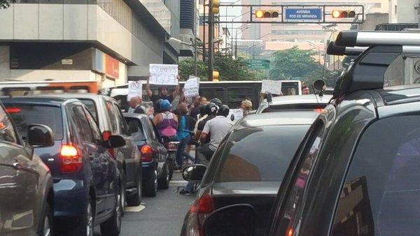 Protestaron en la GMA a altura de Ciudad Tablita por falta de agua (3)