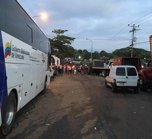 Protestaron en la GMA a altura de Ciudad Tablita por falta de agua (4)