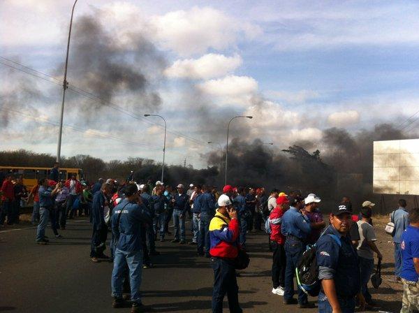 Trabajadores de Sidor protestan y exigen aumento salarial  (3)