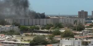 Se incendia Feria de Comida del Centro Comercial Doral Mall en Maacaibo