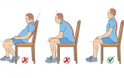Sigue estos consejos y olv date de los d lores por mala for Sillas para que los bebes aprendan a sentarse