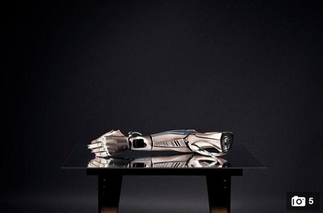 cientificos-brazo-robot-tecnologia