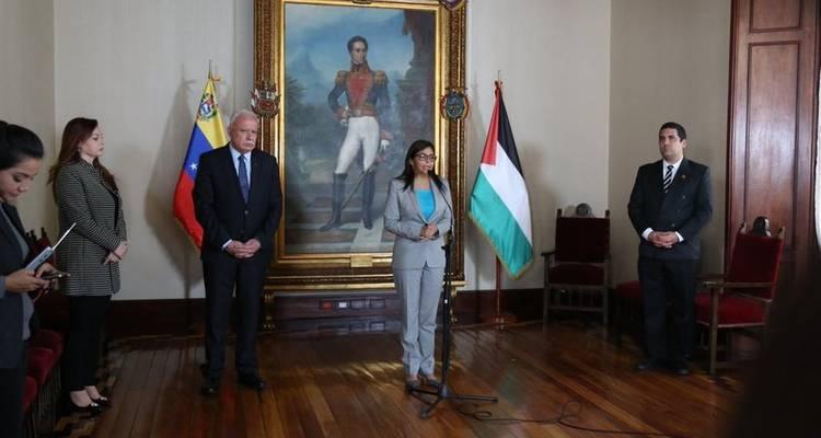 Almagro le dijo dictadorzuelo; Maduro le contestó traidor