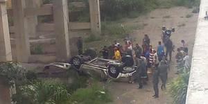 Vehículo cayó desde el viaducto de La Cabrera (1)
