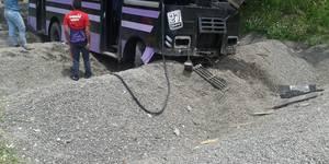 Autobús que pierde los frenos en la bajada de Tazón,10 lesionados (3)