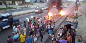 Reportan protestas por bolsas de comida en Valencia