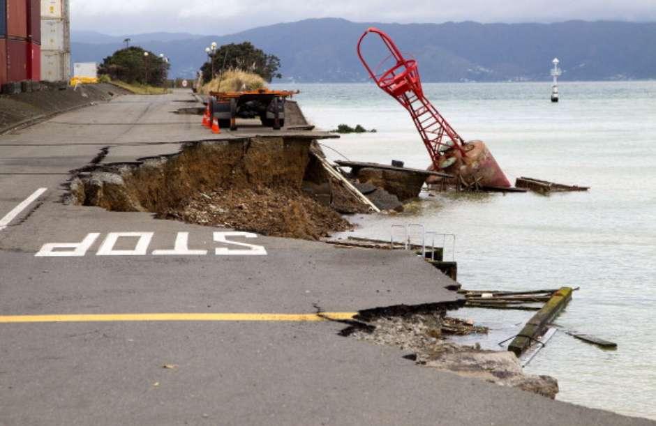 fuerte-sismo-de-magnitud-79-sacude-nueva-zelanda-6