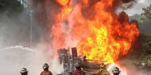 Se incendió una gandola de PDVSA que transportaba combustible (11)