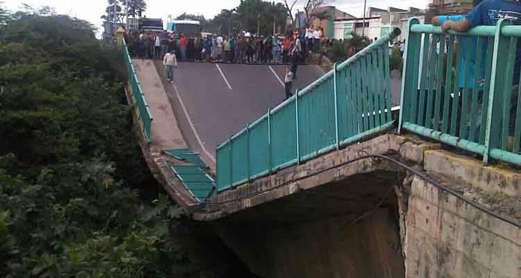 Vargas: Ministro Molina no descarta sabotaje en colapso del Puente Guanape II
