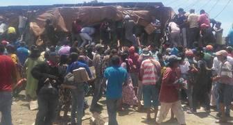 Saquean camión del CLAP en La Guajira