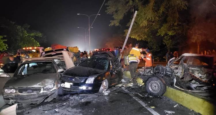Dos muertos y 11 heridos en la autopista Valencia-Puerto Cabello