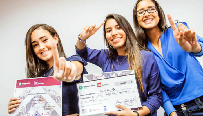 REGIONAL PITCH TECHNOVATION - Equipo Clean Up Plastic 3