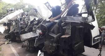 muertos al volcar autobús Encava de Expresos Jáuregui ZULIA VENEZUELA PERIJA (1)