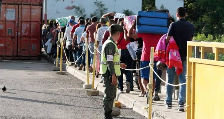 venezolanos cruzan los puentes venezuela colombia