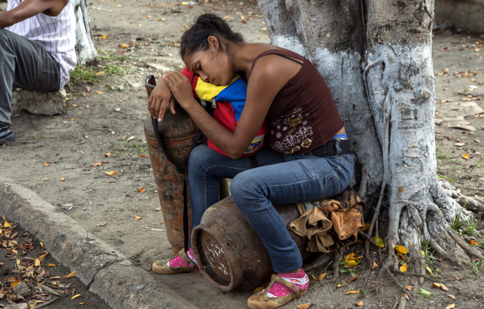 venezolanos sufren por apagones