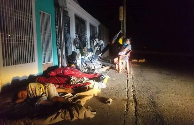 zulianos duermen en la calle por los apagones
