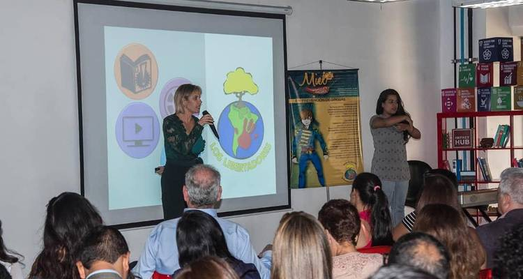 Fundación Miel y Candela