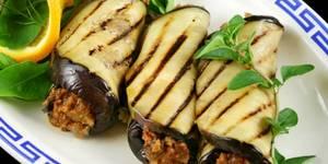 Tacos de berenjena . Cambia la tortilla o el pan por la berenjena. Sus antioxidantes te protegen del cáncer y del envejecimiento prematuro