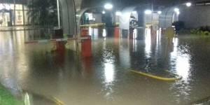 Sambil de Valencia amaneció inundado tras fuertes lluvias, FOTOS
