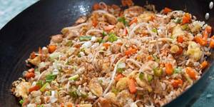 arroz chino con pollo y vegetales