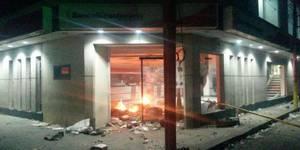 quemaron el banco bicentenario de guadualito
