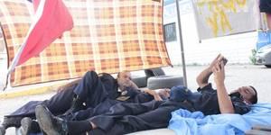 Los Bomberos Jubilados y Pensionados del municpaio Maracaibo mantienen una huelga de hambre frente ala sede de la estacion central ubicada en la av 8 Santa Rita en reclamo al pago de sus prestaciones sociales Evelio Montiel vocero de los huelguista informo que desde hace 8 dias mantienen la protesta haciendola la mas fuerte con la huelga de hambre iniciado por16 bomberos como medida de reclamo a la alcaldia de Mracaibo el pago de sus prestaciones sociales