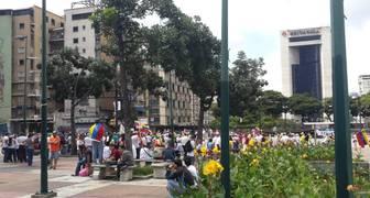 Opositores se concentran en Altamira para marchar a la Fajardo