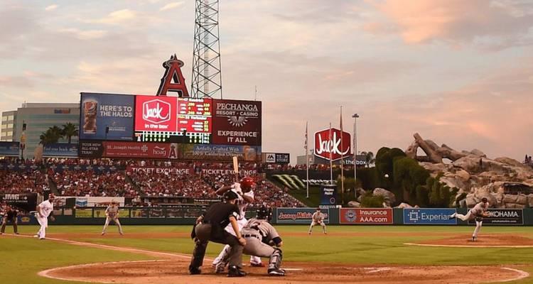Los Astros reinician la defensa del título visitando a los Angelinos