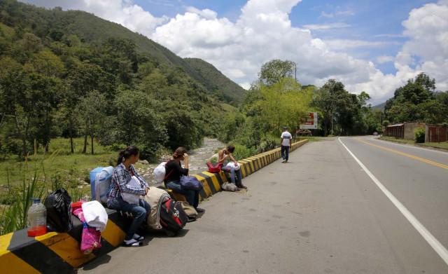 CAMINANTES VENEZOLANOS FRONTERAS COLOMBIA,ECUADOR Y PERU