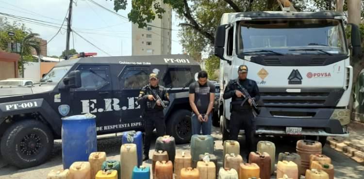 Detenido en Maracaibo por descargar un camión de gasolina de PDVSA en su casa