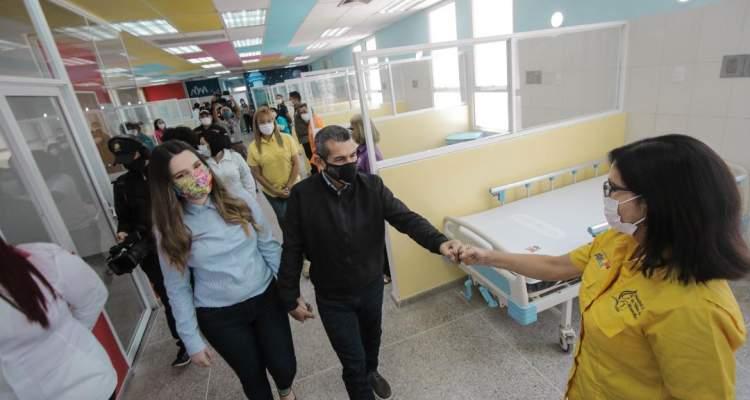 Alcalde Casanova entregó segunda fase de remodelación del Hospital de Niños de Veritas