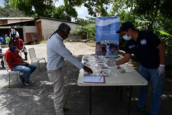 La FAO realiza jornada de entrega de insumos a Agricultores venezolanos