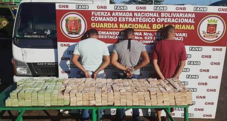 GNB detiene a 3 ciudadanos con alta suma de dinero del cono monetario