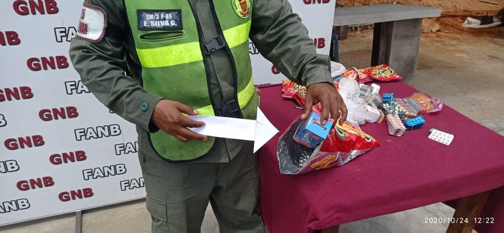 GNB detiene a mujer por contrabando de medicamentos (1)