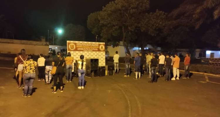 GNB detiene a 25 personas por participar en fiesta clandestina
