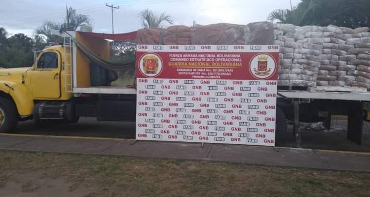 GNB retiene más de 10 toneladas de cal hidratada en Bolívar