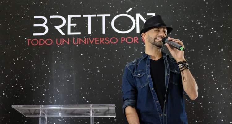 Cantautor dominicano Brettón