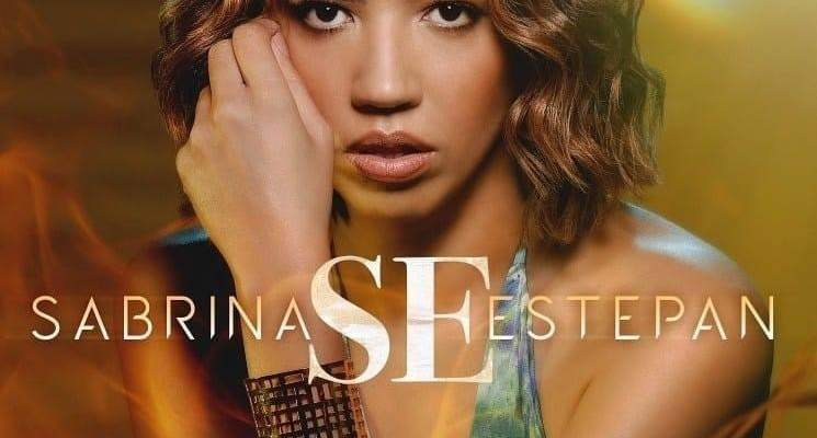 Sabrina Estepan presenta su primer álbum