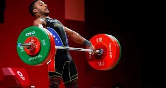 El Venezolano Julio Mayora se alza con medalla de plata en Halterofilia en Tokio 2020