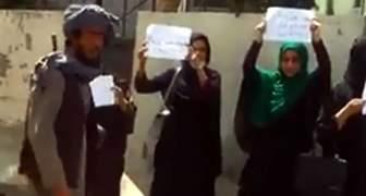 MUJERES PROTESTAN EN AFGANISTAN